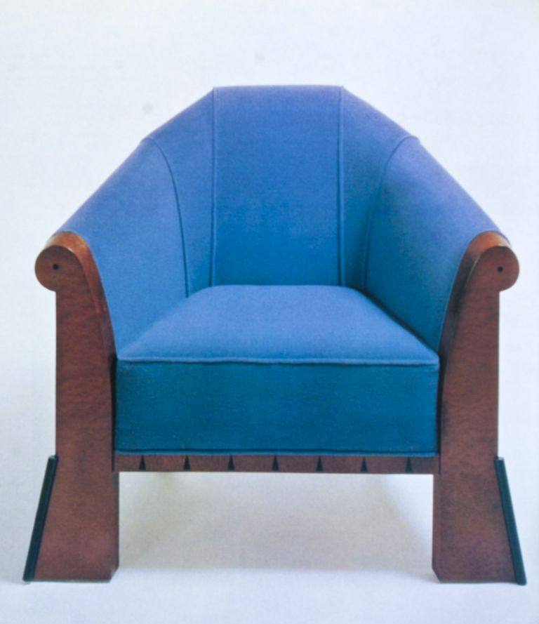 Furniture by Architects: 500 International Masterpieces of Twentieth-Century Design and Where to Buy Them. Marc Emery.
