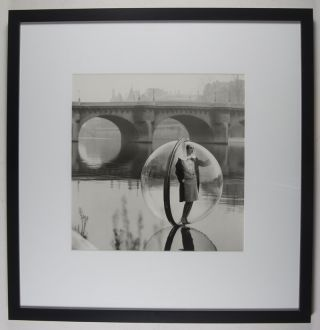 Bouquet Seine (Bubble on the Seine) [SIGNED]. Melvin Sokolsky