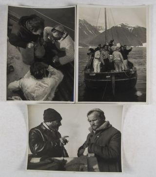 S.O.S. Eisberg - 44 Original Photographs [WITH] S.O.S. Eisberg. Mit Dr. Fanck und Ernst Udet in Grönland. Die Grönland-Expedition des Universal-Films S.O.S. Eisberg [WITH] SOS Eisberg Sammelalbum with mounted collector pictures
