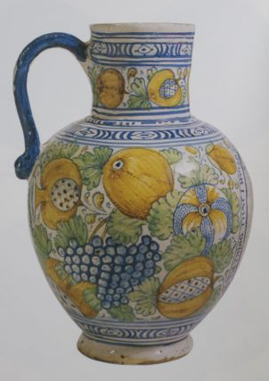 Delftware: The Tin-Glazed Earthenware of the British Isles. Archer Michael